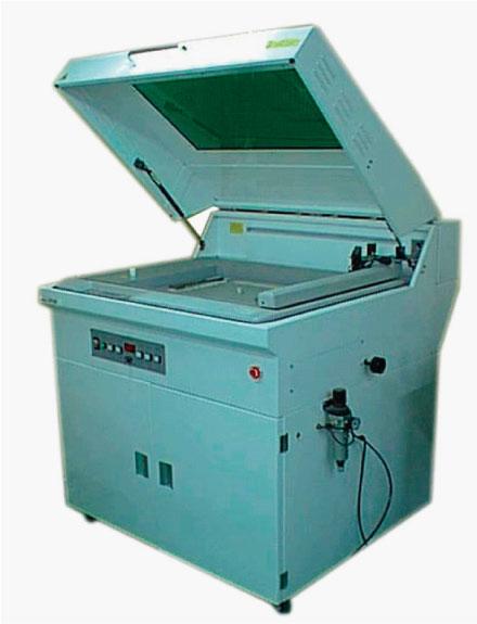 レーザー カッティング加工機